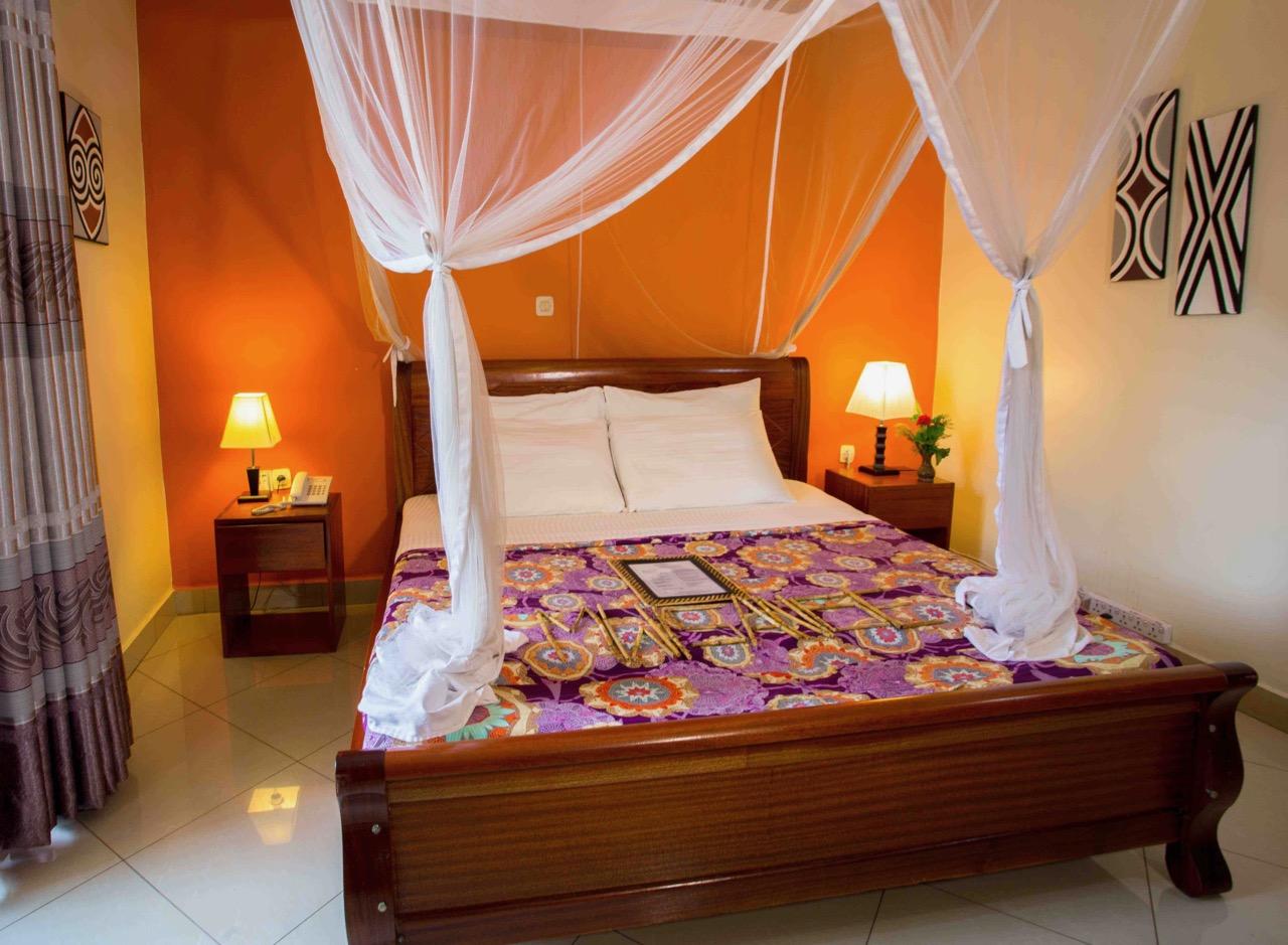 Heaven Boutique hotel Villa King bed best-min (1)