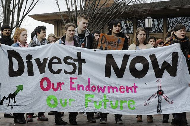 divest+protest_mid
